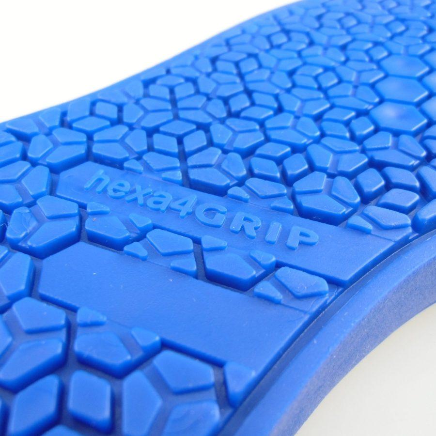 5. hexa4GRIP Sneaker Sohle blau Nahaufnahme